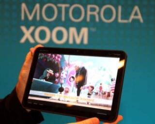 Tableta Motorola Xoom va costa 700 de dolari