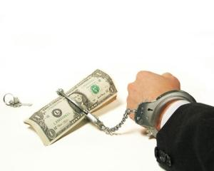 Coruptia aduce economiei UE o paguba anuala de 120 de miliarde de euro