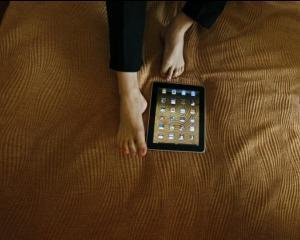 Puterea iPad-ului: Oamenii de afaceri care calatoresc s-ar sacrifica pentru el