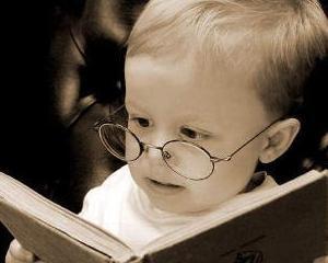 Copil roman de doi ani, inscris in Mensa, societatea oamenilor cu IQ peste medie