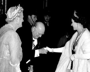 24 aprilie 1953: Winston Churchill este innobilat de catre regina Elisabeta a II-a