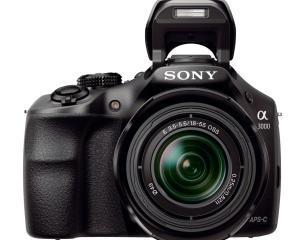 "Prima camera mirrorless ""mai speciala"", marca Sony"