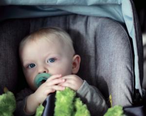 4 accesorii auto pentru copii care usureaza viata parintilor