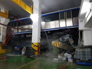 Accident grav la metrou: Doua vagoane au sarit de pe sine si sunt suspendate la 2 metri inaltime. Autoritatile intervin de urgenta