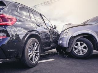 Ce faceti dupa un accident auto? Este bine sa stiti pe cine puteti conta