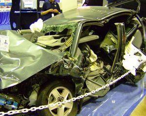 Compania Nationala de Autostrazi: Vom plati daune morale de un milion de euro tinerei care si-a pierdut mana intr-un accident rutier