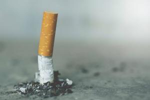 Guvernul scumpeste din noua tigarile. Masura face parte dintr-un amplu PLAN de AUSTERITATE