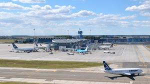Transportul aerian de pasageri a crescut cu 7,7%