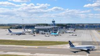 Din cauza noii tulpini de SARS-CoV-2, CNSU opreste zborurile dintre Romania si Marea Britanie