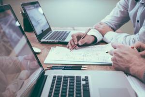 Top 4 metode care te ajuta sa spargi toate barierele la inceputul unei afaceri
