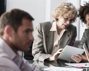 10 reguli nescrise ale intalnirilor de afaceri