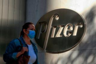 Afacerile gigantului Pfizer duduie. Actiunile companiei au atins cel mai mare nivel din istorie
