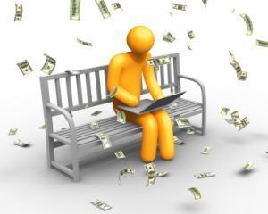 """Tot mai multi utilizatori de internet """"vanati"""" prin conturi bancare false"""