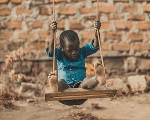 Africa e un continent sarac. Sau un continent bogat pe care il jefuiesc tarile dezvoltate?