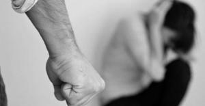 55% dintre romani gasesc justificari pentru agresiunile sexuale. Principiul O FI FACUT EA CEVA, e de baza