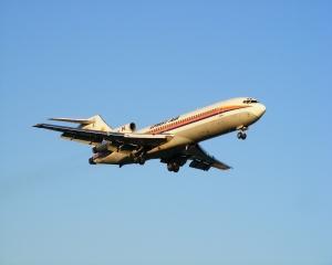 27 noiembrie 1962: A avut loc primul zbor de proba al unui Boeing 727
