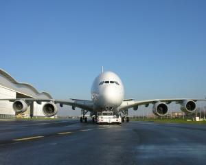 China va cumpara 60 de avioane de la compania europeana Airbus, pentru suma de 8 miliarde de dolari