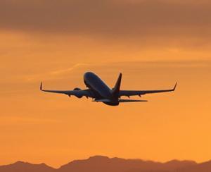 Aproape 10 milioane de pasageri au tranzitat aeroporturile bucurestene, in 2015