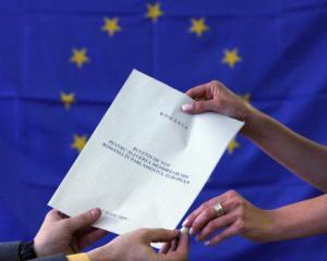 Noua din zece romani nu stiu de alegerile europarlamentare, iar sase din zece nu stiu cum se voteaza la aceste alegeri