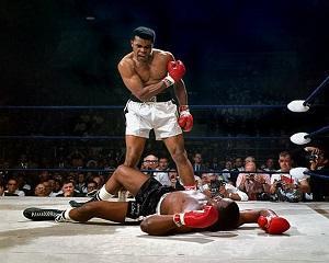 25 februarie 1964: Cassius Clay il invinge pe Sonny Liston