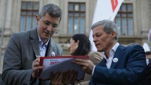 USR si PLUS au votat alianta politica. Incepe strangerea de semnaturi pentru candidatura lui Barna la prezidentiale