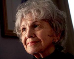 Alice Munro este castigatoarea premiului Nobel pentru Literatura