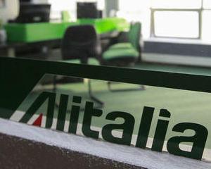 Cati angajati va concedia Alitalia