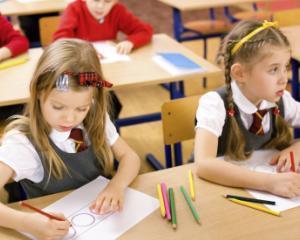 Guvernul anunta dublarea alocatiilor pentru copiii institutionalizati si cei din familii defavorizate