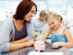 Parlamentarii au decis: Alocatiile copiilor vor creste ANUAL, indexate la RATA INFLATIEI