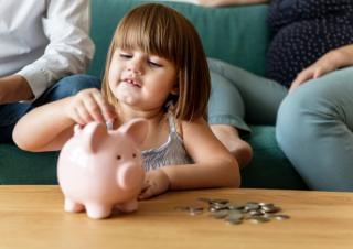 Alocatiile pentru copii se majoreaza cu 20% de la 1 februarie