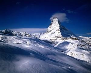 Se poate mult mai rau: vant de peste 250 km/h in Alpii elvetieni
