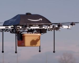 Jeff Bezos revolutioneaza industria curieratului: Amazon va livra coletele cu ajutorul unei drone