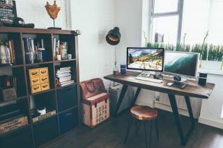 Doua aspecte esentiale in amenajarea biroului de acasa