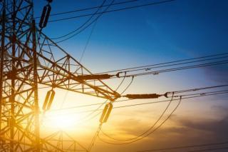 Furnizorii de energie electrica au primit amenzi usturatoare de la ANRE