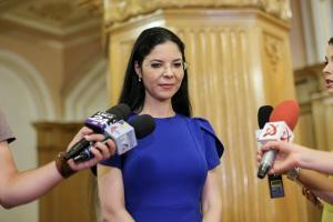 Ana Birchall lanseaza campania SPUNE CINE FURA
