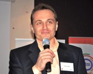"""Peste 1.200 de participanti la un seminar sustinut de Andy Szekely: """"Comunica, Influenteaza, Convinge!"""""""