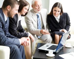 Angajatii seniori, categorie cheie pentru o afacere de succes