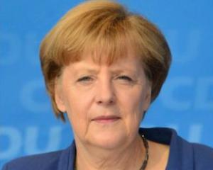 Angela Merkel catre Italia si Franta: Zona euro nu-si revine repede din cauza voastra