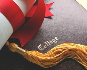 Contractele de studii incheiate de universitati verificate de ANPC