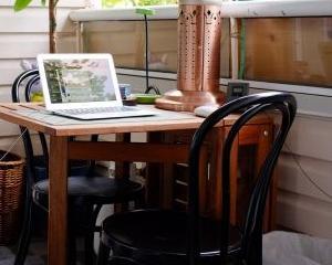 Studiu: Cei mai multi antreprenori americani isi incep afacerea acasa
