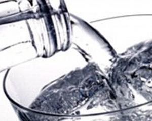 Apa minerala contine de 11 ori mai multa sare decat cea de la robinet