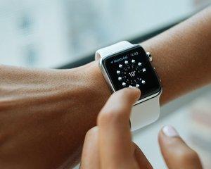 Vanzari-record: Apple a vandut 6 milioane de ceasuri in ultimele trei luni ale anului trecut