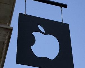 Apple a lansat versiunea mai ieftină a MacBook Air