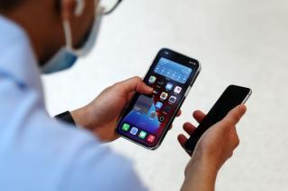 Apple va plati 113 milioane de dolari pentru acuzatiile privind incetinirea performantelor telefoanelor iPhone