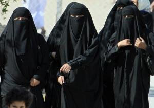 Drept fara precedent obtinut de femeile din Arabia Saudita: NU mai sunt obligate sa ...