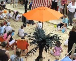 Plaje amenajate in parcurile comerciale sau ce mai fac retailerii pentru a atrage cumparatorii