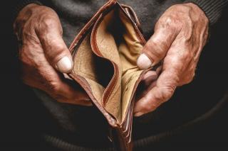 Cati romani primesc, de fapt, ajutor social: Lista judetelor campioane la stat degeaba pe banii statului