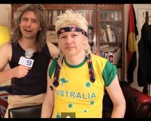 Julian Assange, cantaret de ocazie