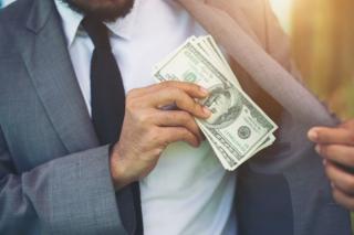 Cum poti economisi bani prin automatizarea cheltuielilor