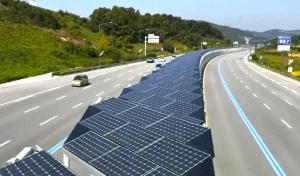 Autostrada pavata cu panouri solare in Japonia, de trei ori mai ieftina decat autostrada Pitesti-Sibiu